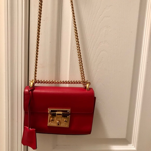 be7bf50fe7abd Gucci Handbags - 100% Authentic Red Gucci Padlock small handbag